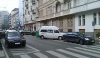 Parkowanie przed przejściami dla pieszych na ul. Żurawiej